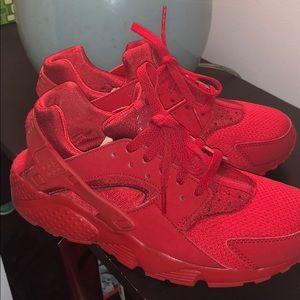 Red Huraches